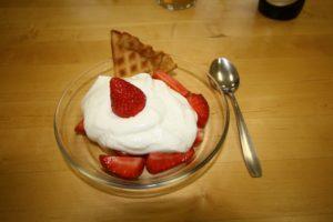 jordbær med vaniljekrem